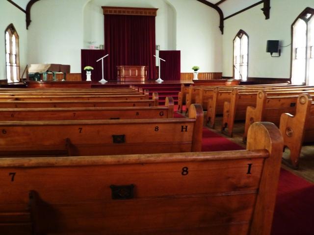 Monroe_Methodist_Church_pews