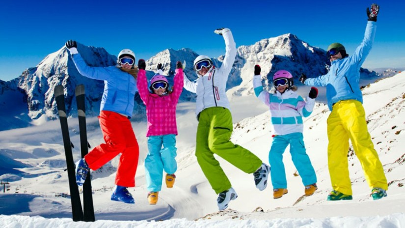 happy-skiers_fe